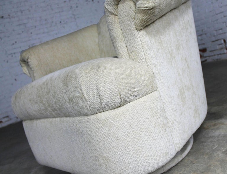 Barrel Shaped off White Vintage Swivel Club Chair with Rolled Arms For Sale 1