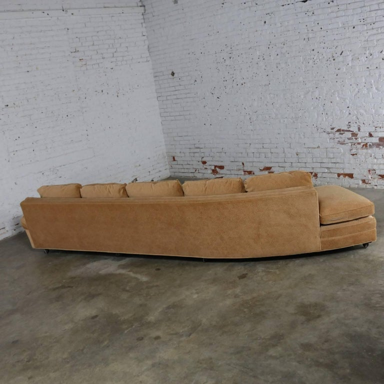 Extra Long Curved Single Arm Sofa Style of Harvey Probber In Good Condition For Sale In Topeka, KS