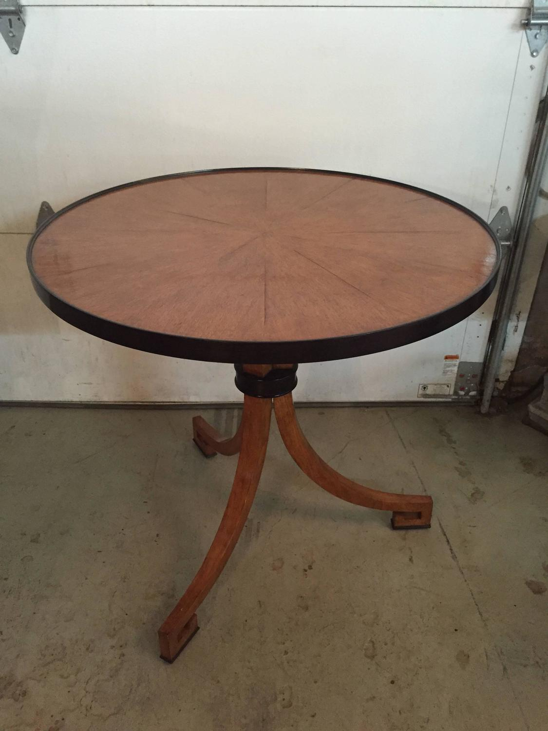 Foyer Table Sale : Dessin fournir foyer or side table for sale at stdibs