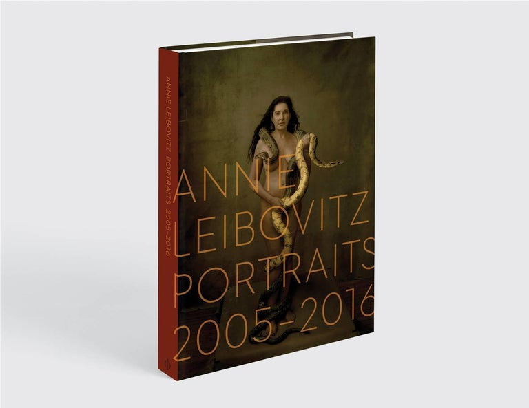 <p><strong>The perfect gift - this edition is presented in a beautiful and elegant slipcase.</strong></p> <p><strong>In this new collection from Annie Leibovitz, one of the most influential photographers of our time, iconic portraits sit side by