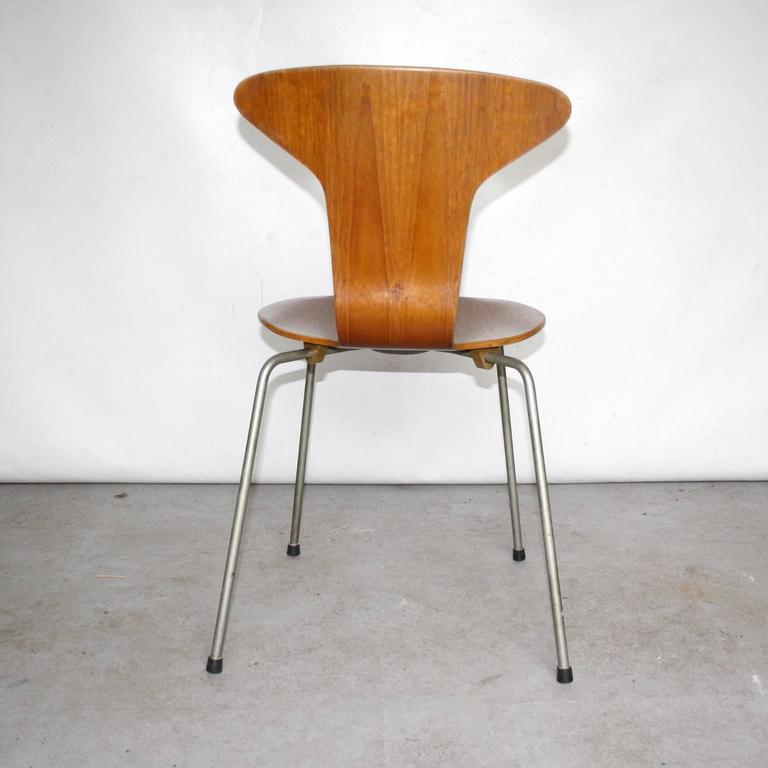 arne jacobsen dining chairs