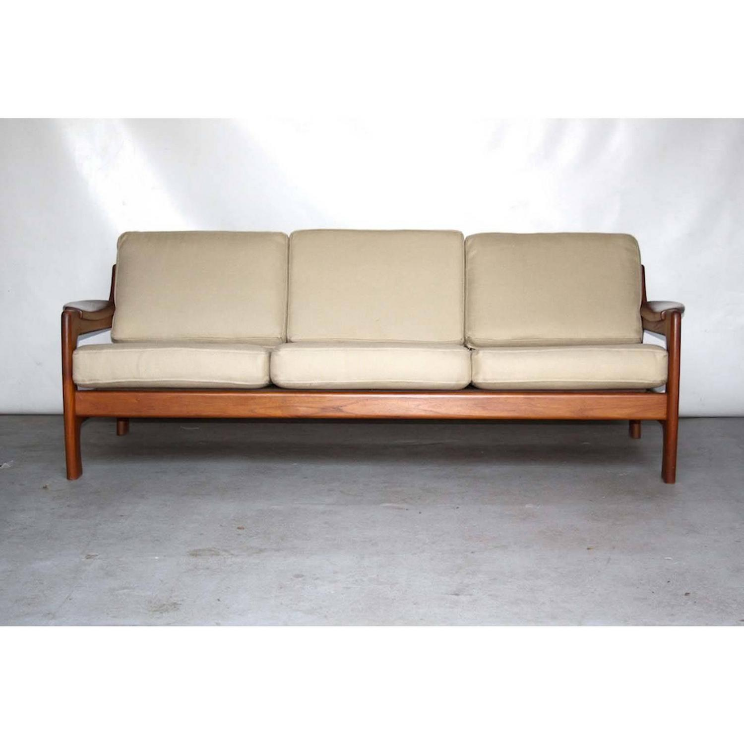 teak sofa attributed to arne wahl iversen for komfort denmark 1960s for sale at 1stdibs. Black Bedroom Furniture Sets. Home Design Ideas
