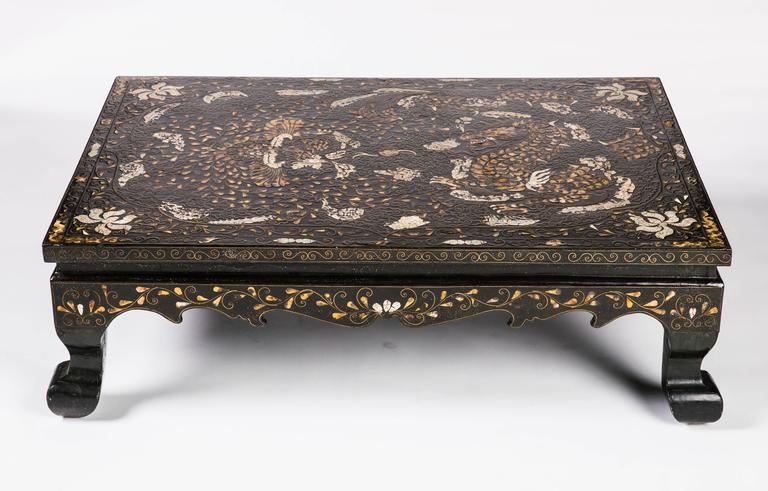 Great 19th Century Low Korean Lacquered And Inlaid Coffee Table 2