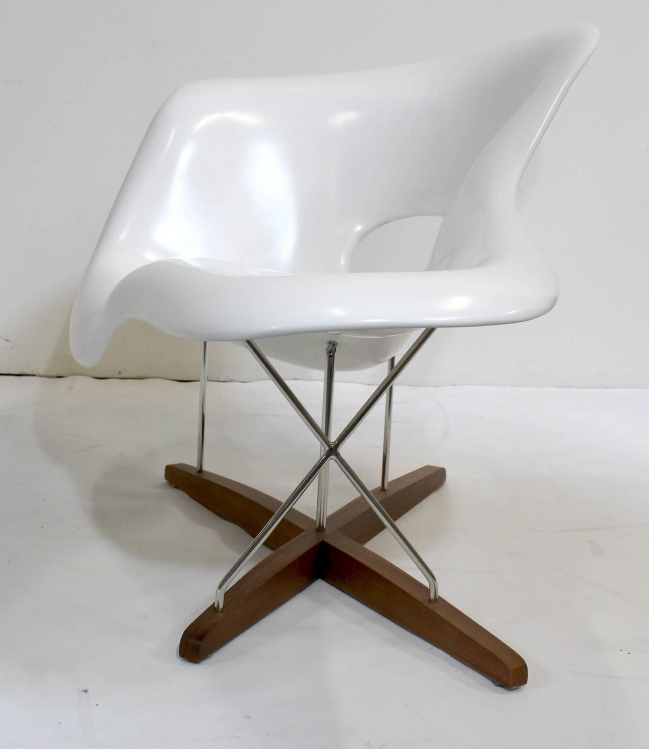 Eames vitra white la chaise chair at 1stdibs - Chaise inspiration eames ...