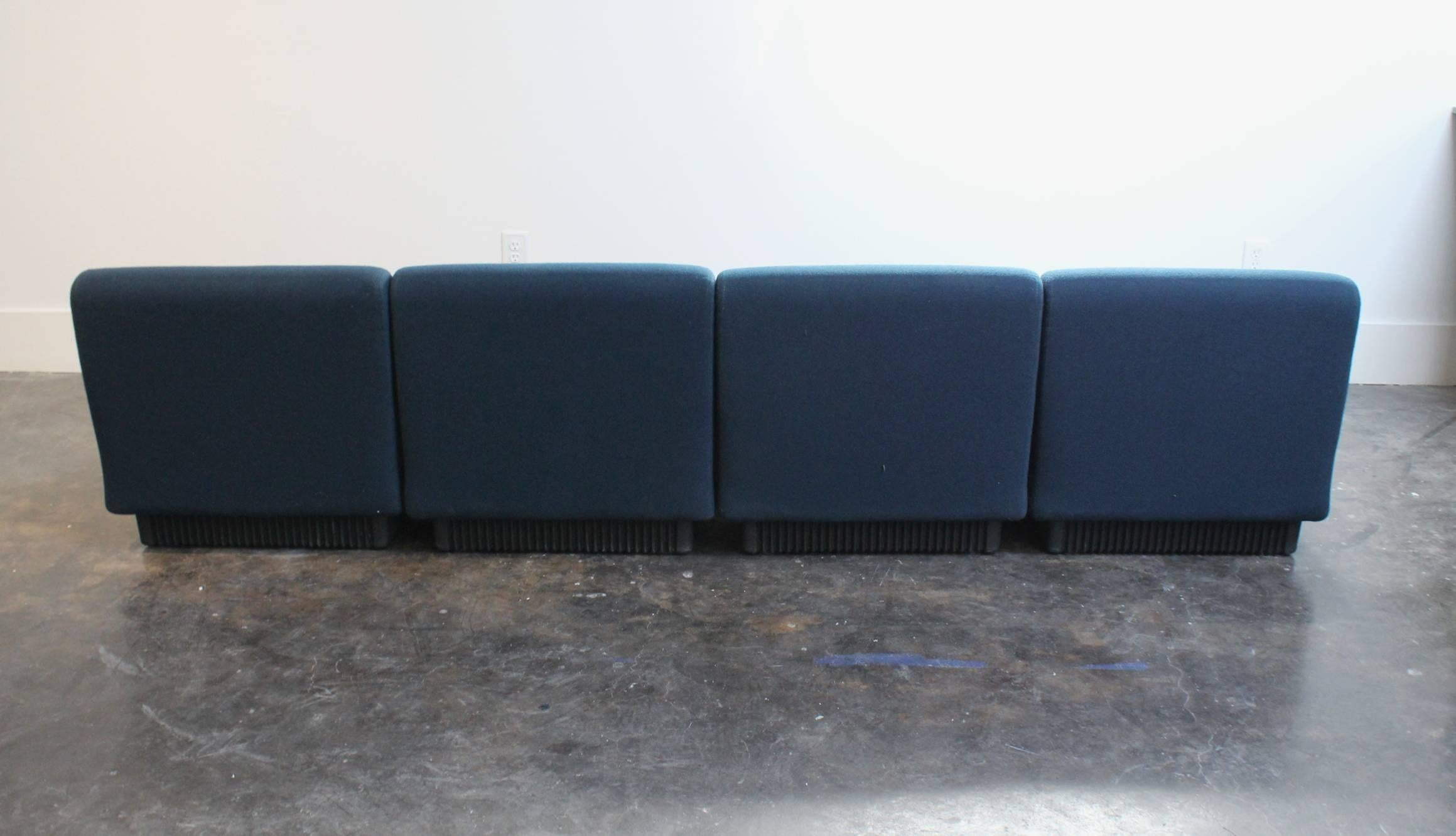 Modern Modular Sofa By Don Chadwick For Herman Miller In Good Condition For  Sale In Dallas