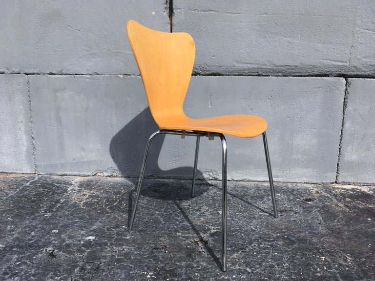 Late 20th Century Set of Six Bentwood Chairs For Sale