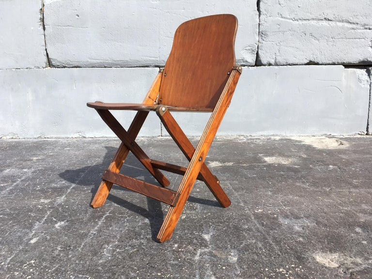Great set of six vintage American folding chairs, great patina and look.