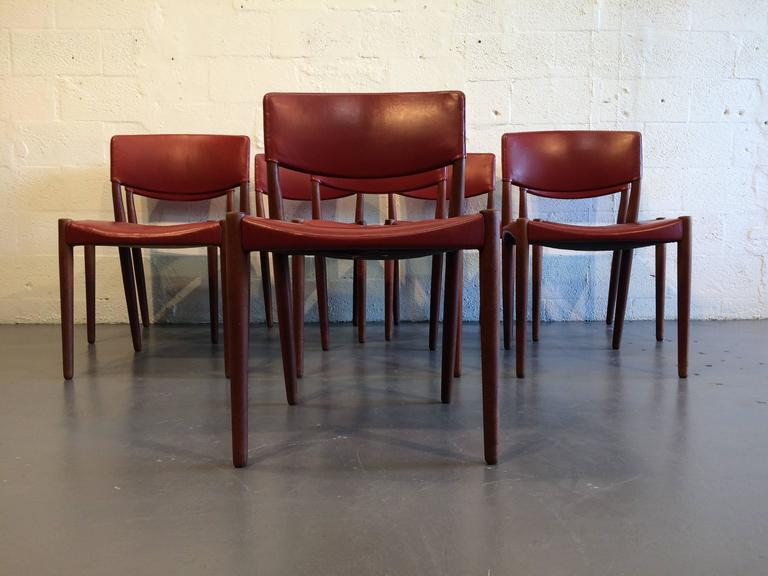 Set of Eight Dining Chairs by Ejner Larsen & Aksel Bender Madsen In Good Condition For Sale In Miami, FL
