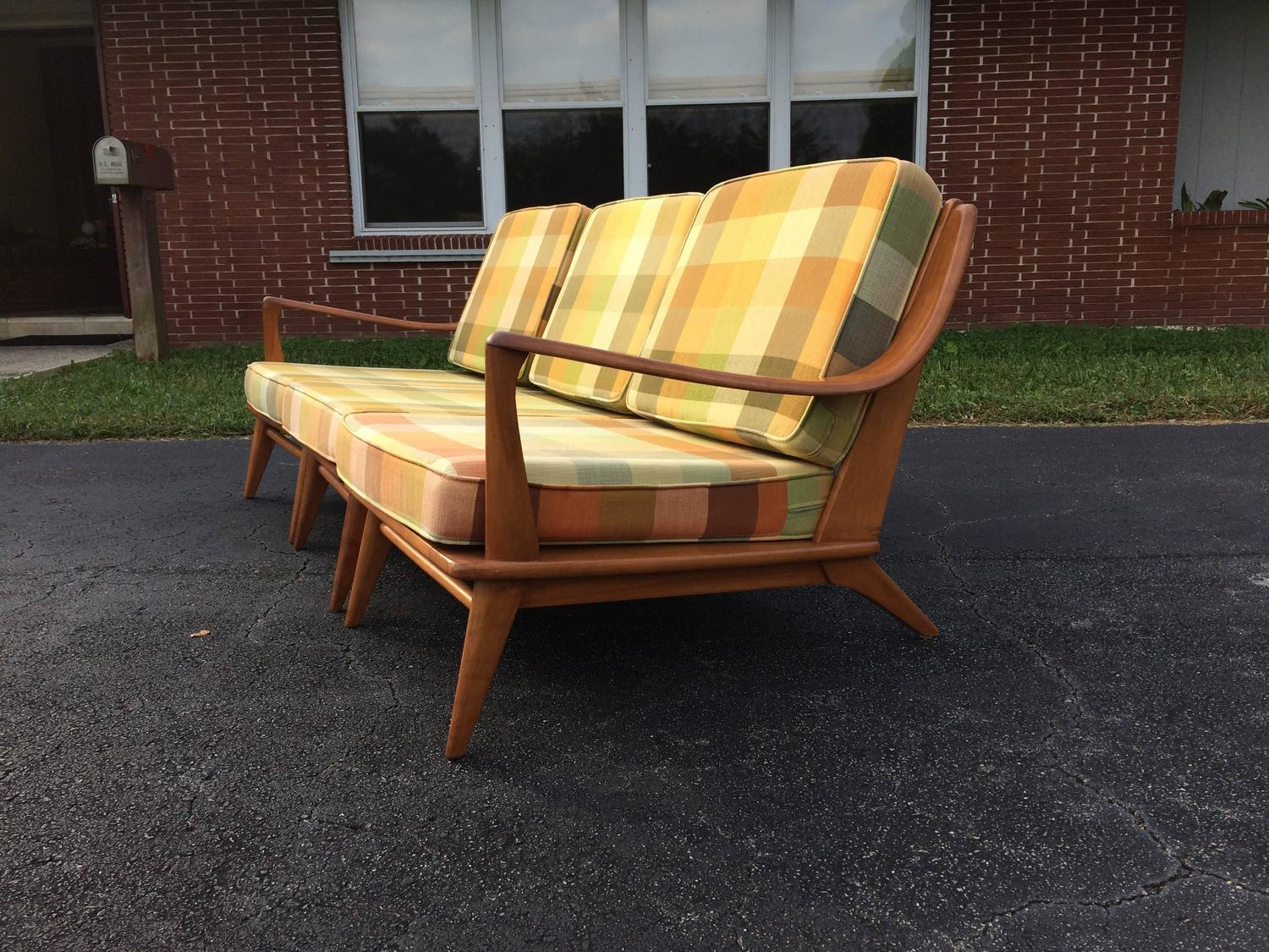 Cool heywood wakefield sofa usa 1950s for sale at 1stdibs for Cool couches for sale