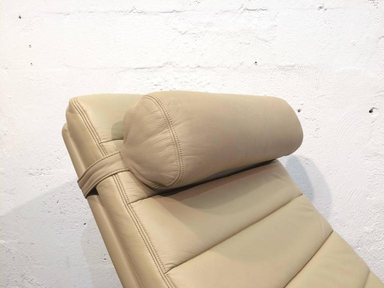 Late 20th Century Leather Chaise Longue by Harvey Probber, USA, 1970s For Sale