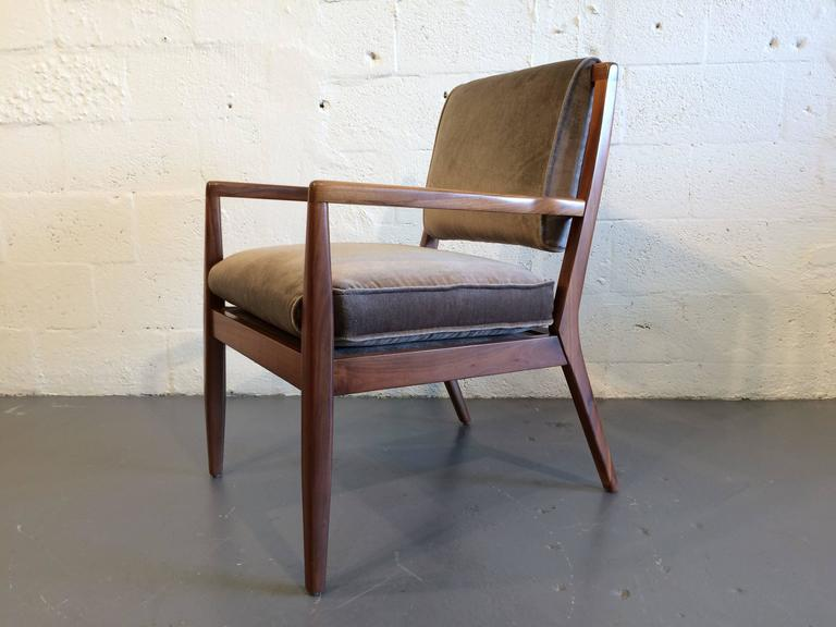 Mid-20th Century Pair of Modern Walnut Armchairs, USA, 1950s For Sale