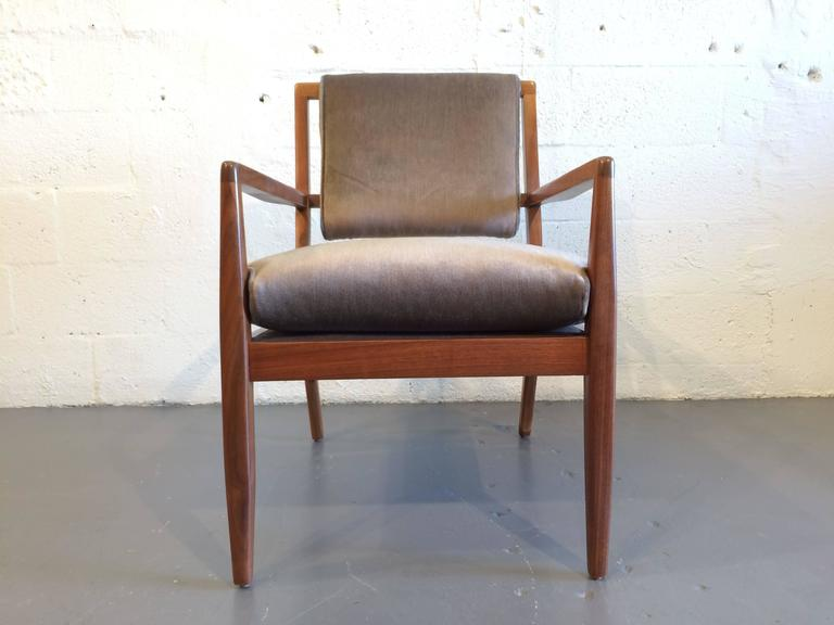 Pair of Modern Walnut Armchairs, USA, 1950s For Sale 3