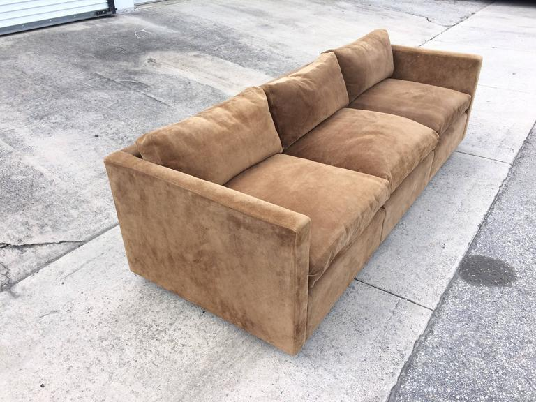 Charmant Mid Century Modern Suede Leather Sofa By Charles Pfister For Knoll For Sale