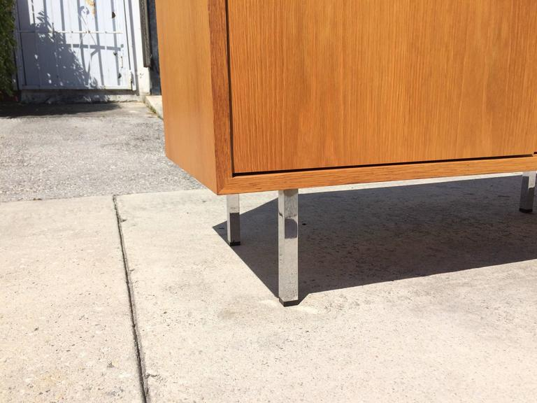 Late 20th Century Nice Florence Knoll Credenza on Chrome Legs, USA, 1970s
