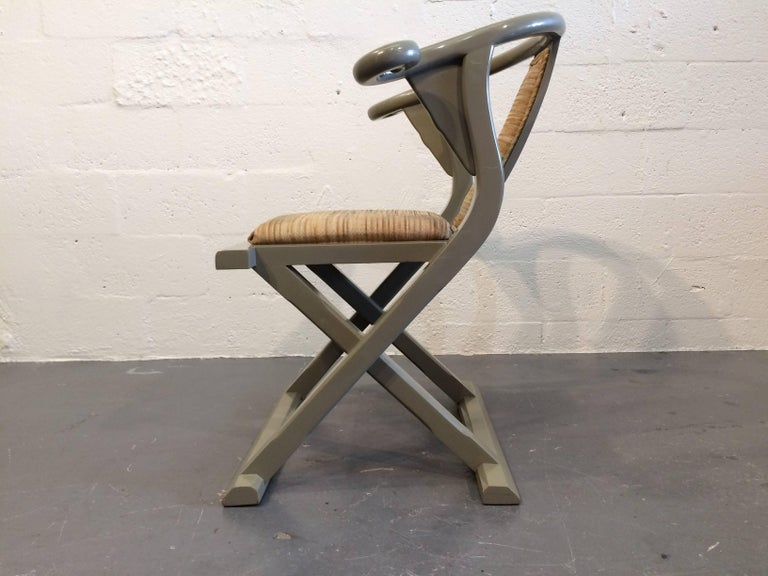 Mid-Century Modern Decorative Side or Desk Chair For Sale