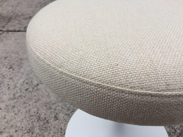 Eero Saarinen Tulip Swivel Stool for Knoll In Excellent Condition For Sale In Miami, FL