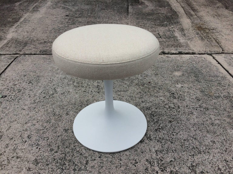 Metal Eero Saarinen Tulip Swivel Stool for Knoll For Sale