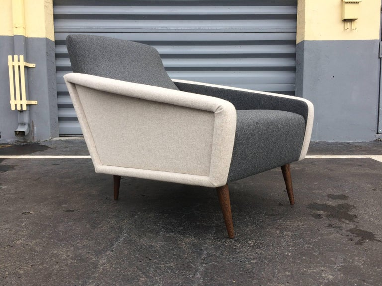 Pair of Lounge Chairs in the Style of Gio Ponti for Cassina For Sale 1