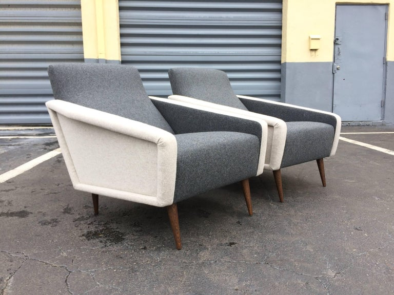 Mid-Century Modern Pair of Lounge Chairs in the Style of Gio Ponti for Cassina For Sale