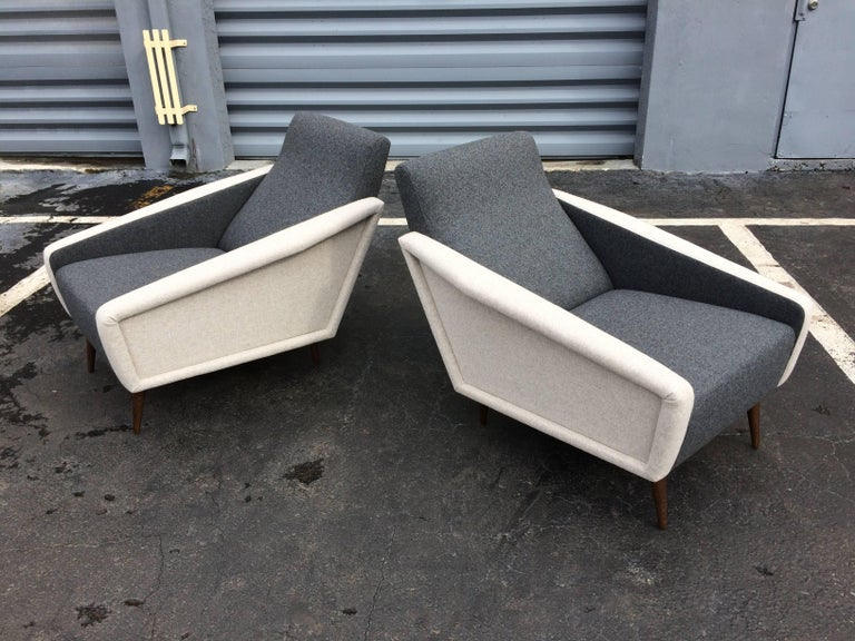 Pair of Lounge Chairs in the Style of Gio Ponti for Cassina For Sale 2