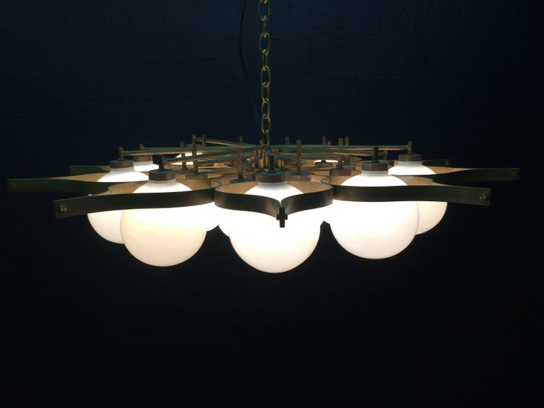 American Beautiful Chandelier in the Style of Gio Ponti For Sale