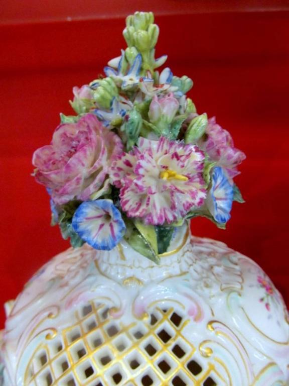 18th Century Pair of Antique Meissen Hand-Painted Porcelain Potpourri Urns or Vases For Sale