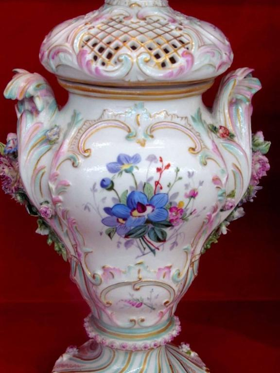 Rococo Pair of Antique Meissen Hand-Painted Porcelain Potpourri Urns or Vases For Sale