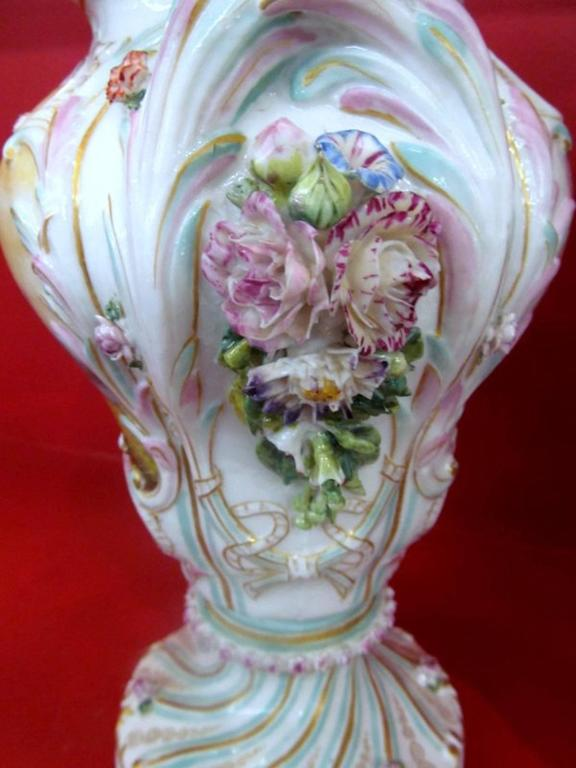 Pair of Antique Meissen Hand-Painted Porcelain Potpourri Urns or Vases In Fair Condition For Sale In Charleston, SC
