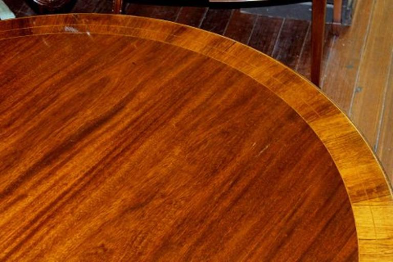 20th Century Old English Sheraton Style Inlaid Figured Solid Mahogany Circular Dining Table For Sale