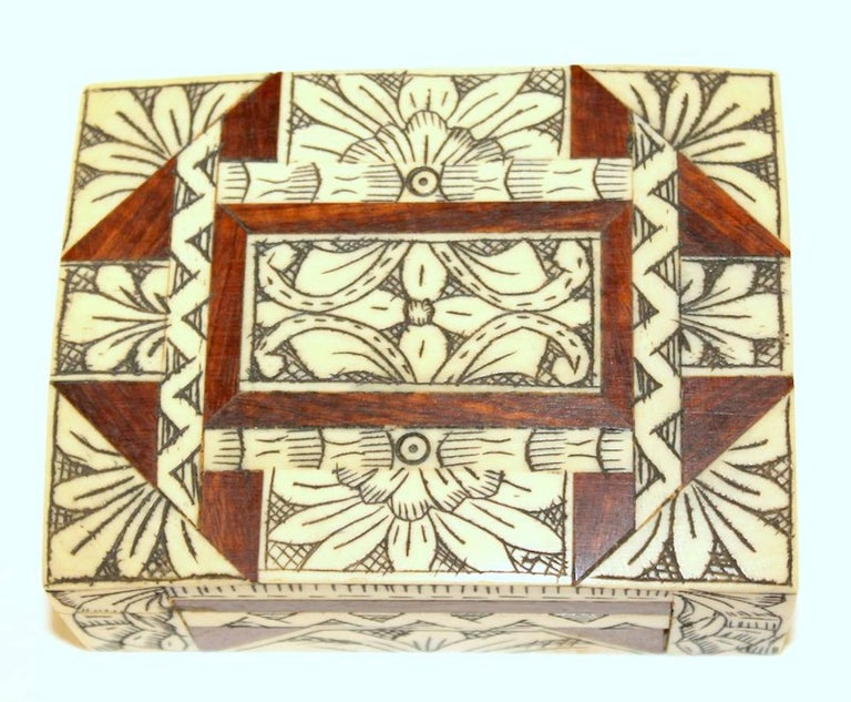 Old Anglo-Indian Carved Bone, Rosewood and Mahogany Hinged Box For Sale 1