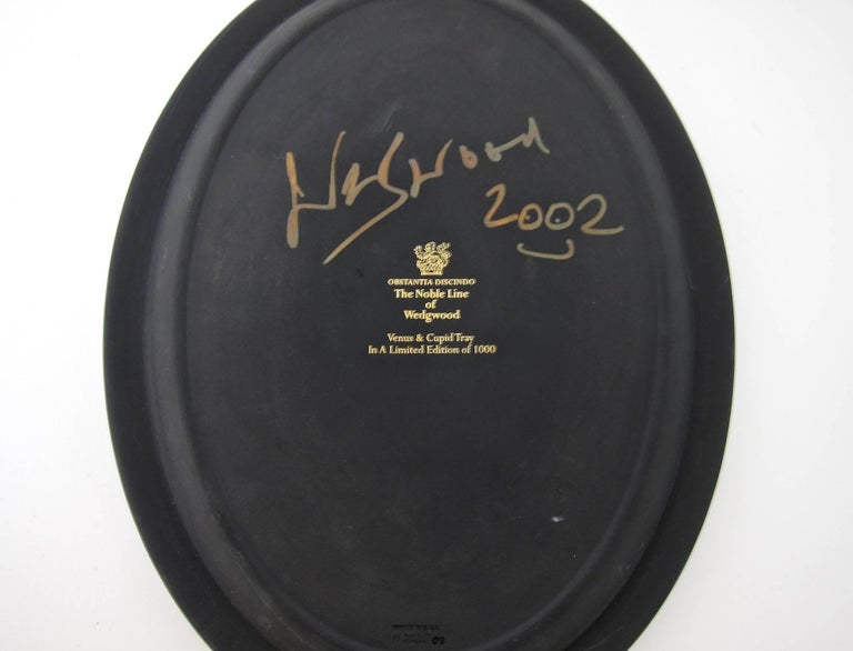 Venus and Cupid Oval Tray Signed by Lord Wedgwood 9