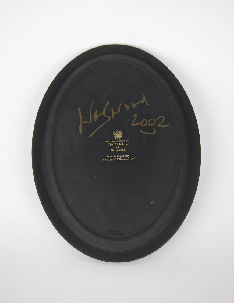 Venus and Cupid Oval Tray Signed by Lord Wedgwood 8