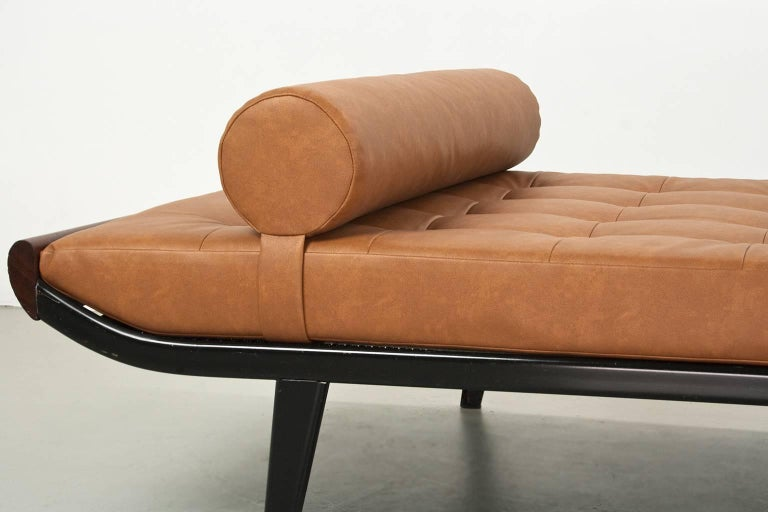 Powder-Coated Daybed Cleopatra Dutch Mid-Century Modern by Andre Cordemeyer 1953 for Auping For Sale