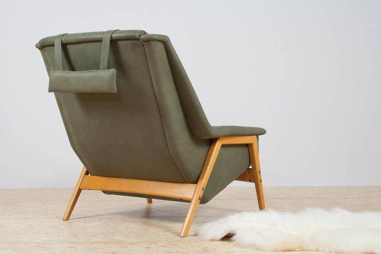 Mid-20th Century Scandinavian Modern Re-Upholstered Green Leather Lounge Chair by Folke Ohlson For Sale