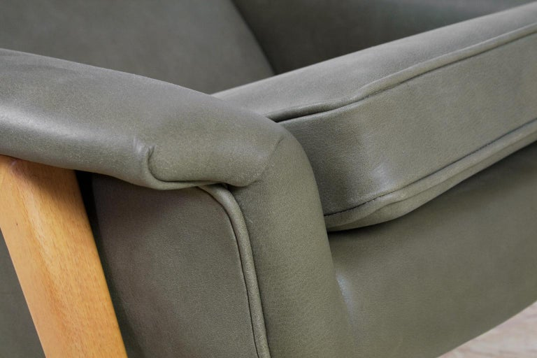 Scandinavian Modern Re-Upholstered Green Leather Lounge Chair by Folke Ohlson For Sale 4
