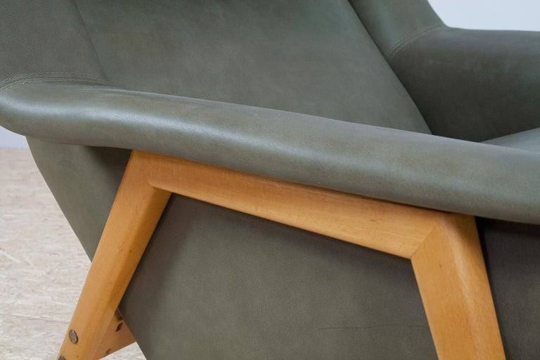 Scandinavian Modern Re-Upholstered Green Leather Lounge Chair by Folke Ohlson For Sale 5