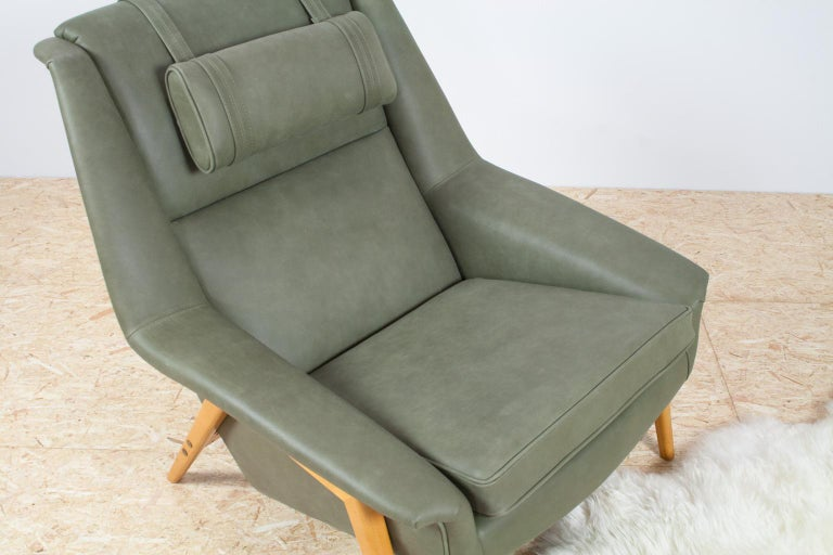 Scandinavian Modern Re-Upholstered Green Leather Lounge Chair by Folke Ohlson For Sale 1
