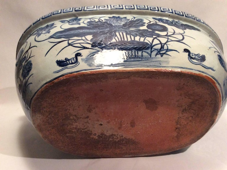 19th Century Large Qing Dynasty Footbath Blue and White Vessel For Sale