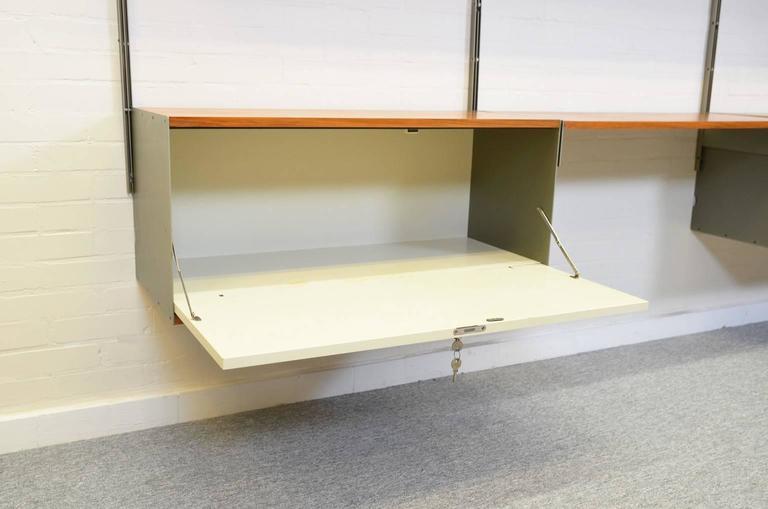 Mid-20th Century Dieter Rams 606 Universal Shelving System in Walnut Veneer for Vitsoe