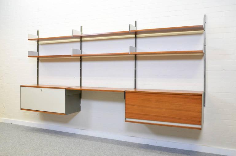 Dieter Rams 606 Universal Shelving System in Walnut Veneer for Vitsoe 3