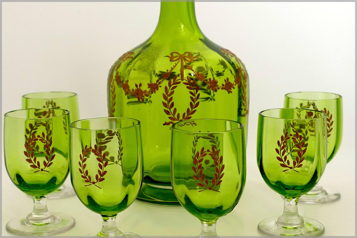 1900 rare baccarat gold green chartreuse crystal liquor or aperitif service for sale at 1stdibs. Black Bedroom Furniture Sets. Home Design Ideas