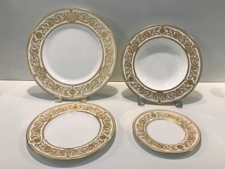 Royal Worcester  Hyde Park  extensive dinner service for 12 120 total pieces. & Royal Worcester
