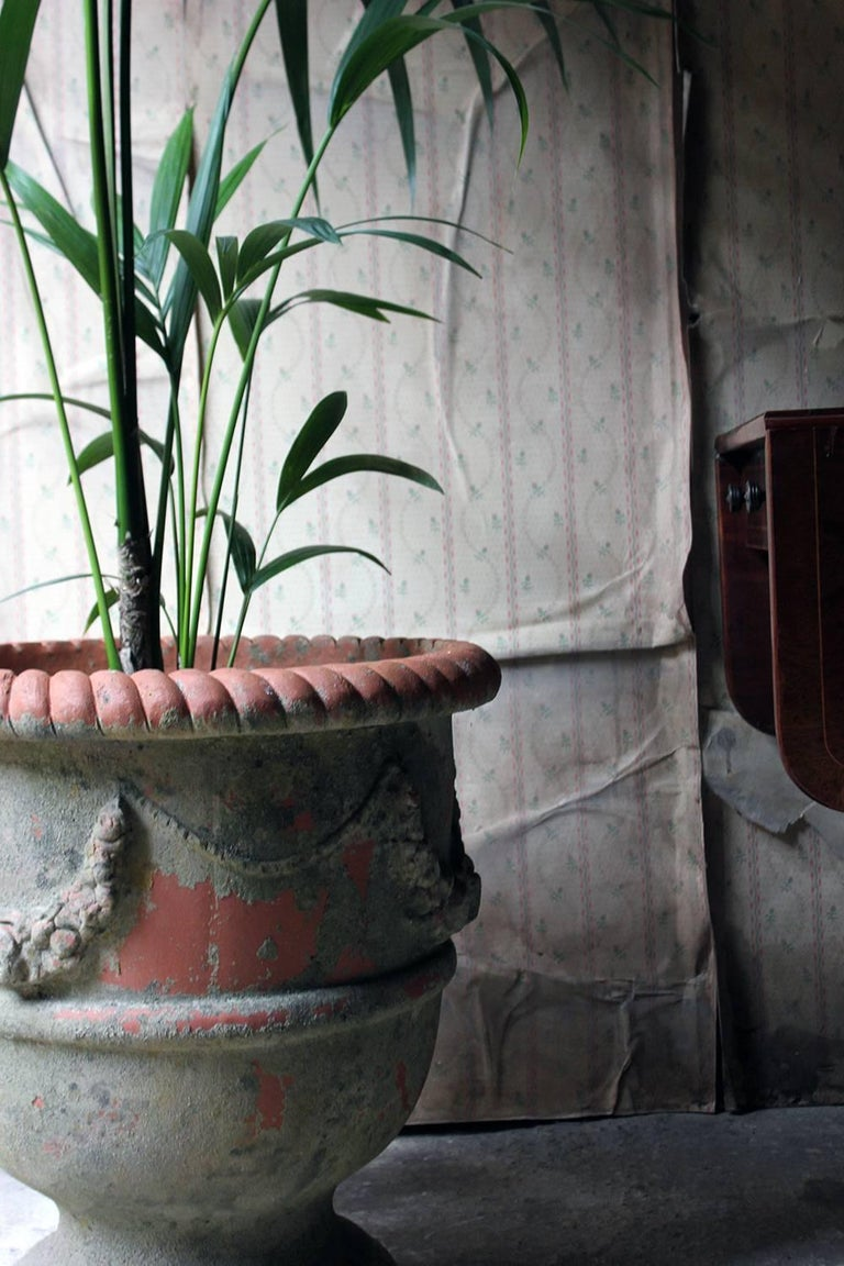 Large & Attractive Early to Mid-20th Century Terracotta Garden Urn For Sale 1