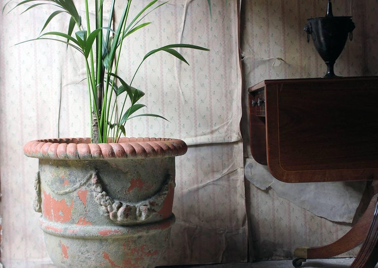Large & Attractive Early to Mid-20th Century Terracotta Garden Urn For Sale 4