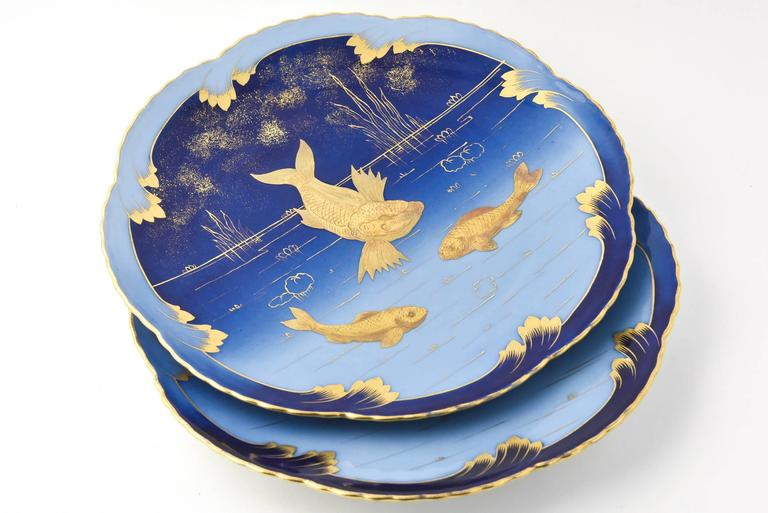 Pair of 19th Century Porcelain Gold and Blue Fish Plates By Pirkenhammer In Good Condition For Sale In Miami Beach, FL