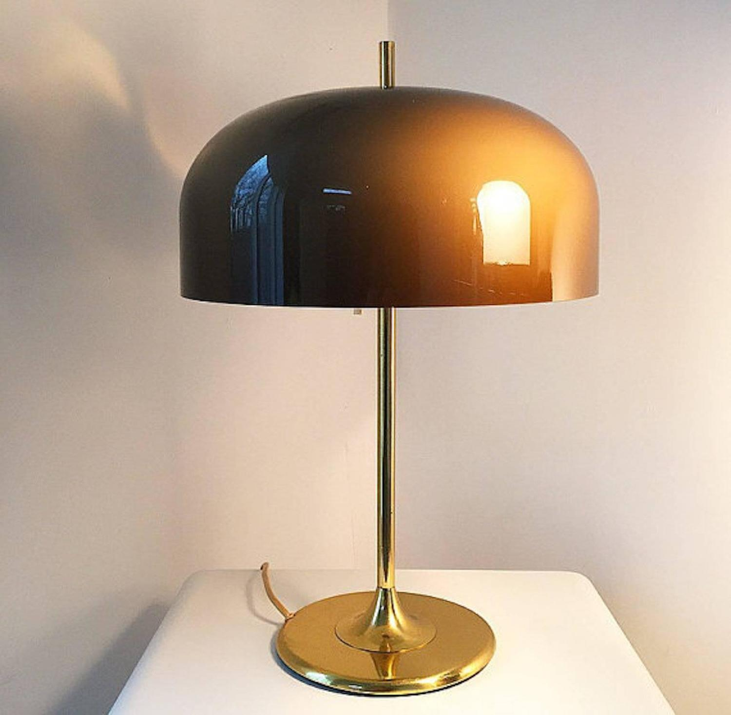 space age brass table lamp attributed to harvey guzzini for meblo at 1stdibs. Black Bedroom Furniture Sets. Home Design Ideas