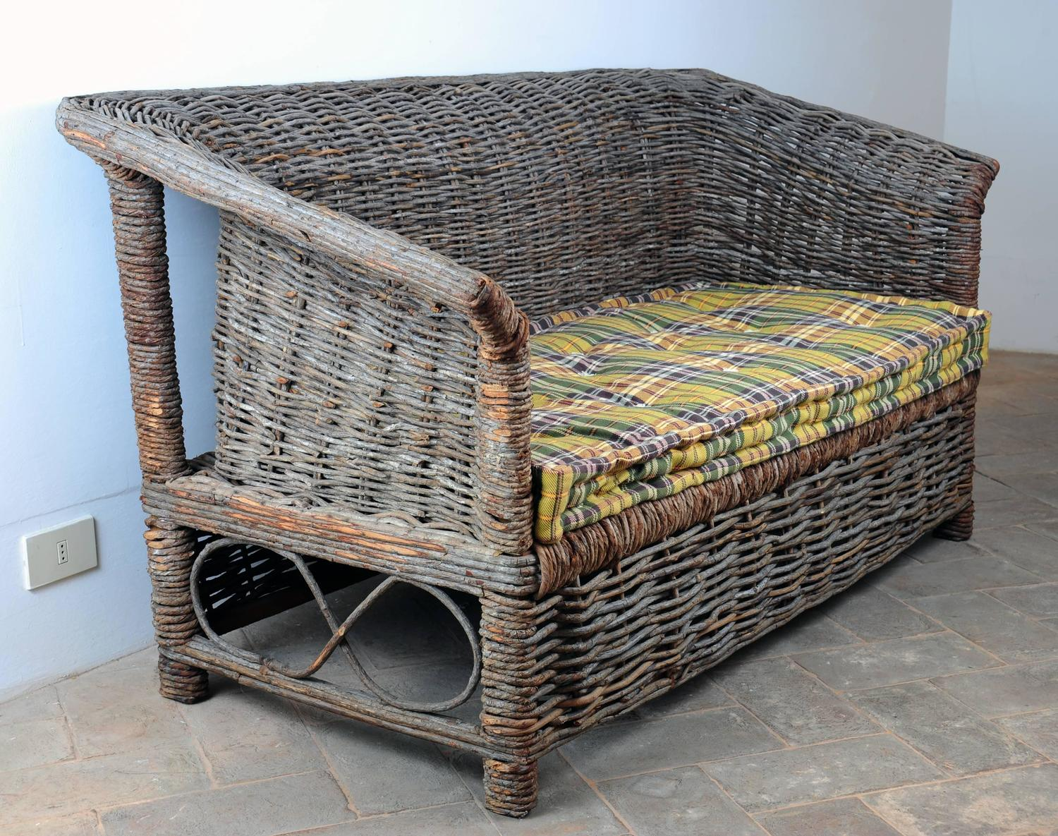 Italian outdoor woven sofa for sale at 1stdibs for Outdoor furniture italy