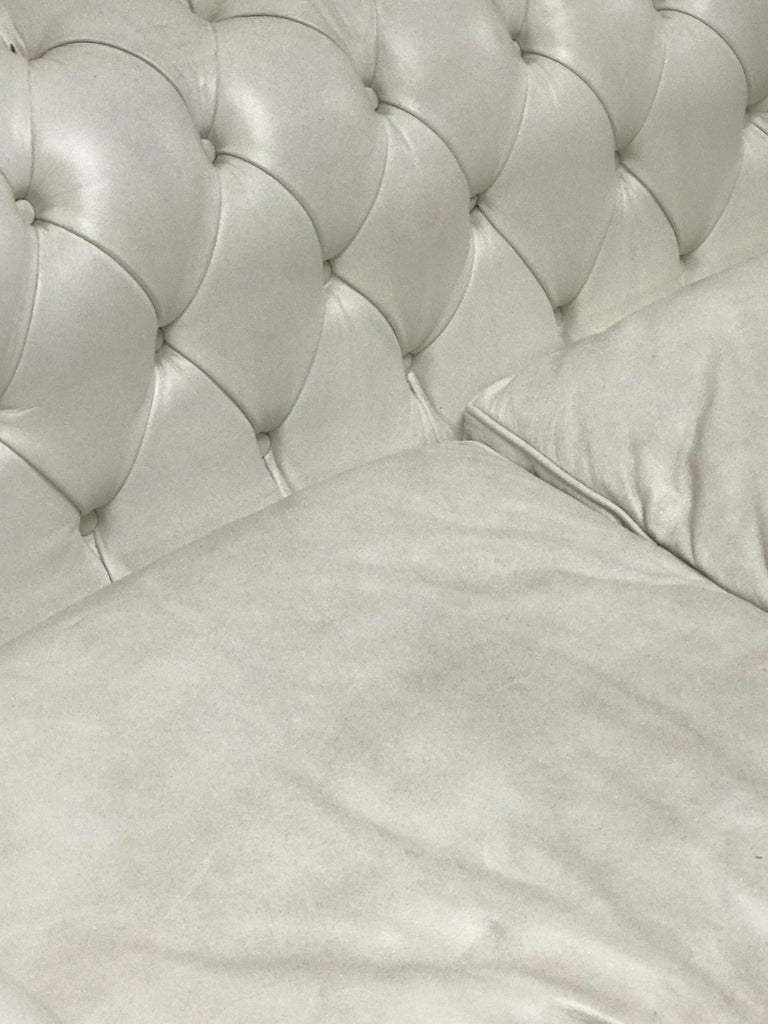 20th Century White Chesterfield, Very Nice Patina For Sale