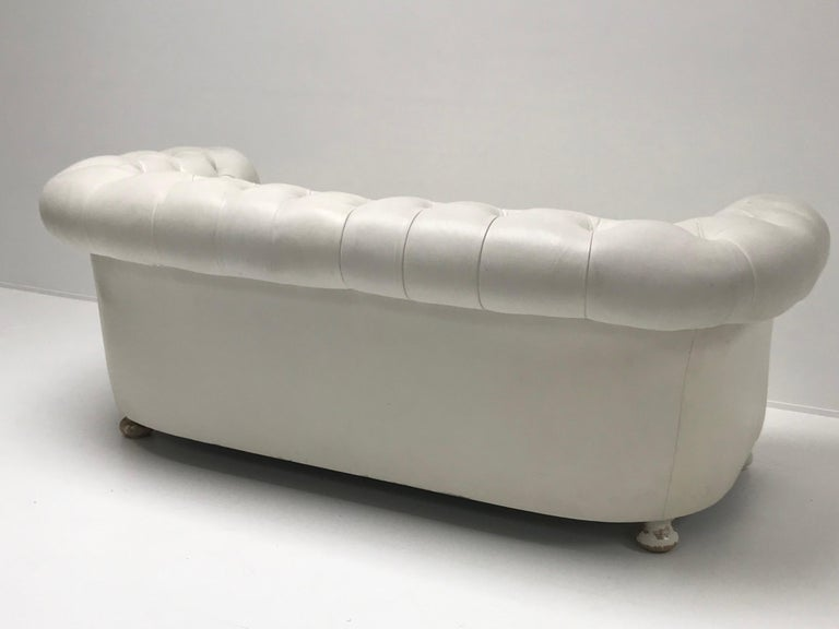 White Chesterfield, Very Nice Patina For Sale 3