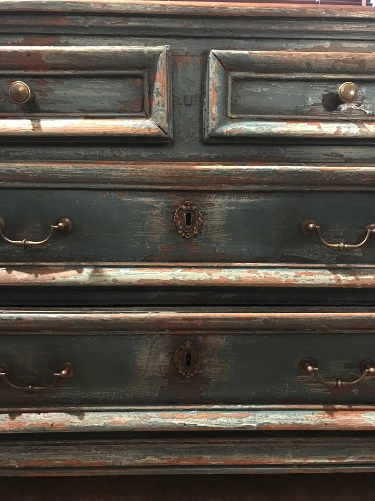 Painted Chest of Drawers In Good Condition For Sale In Schellebelle, BE